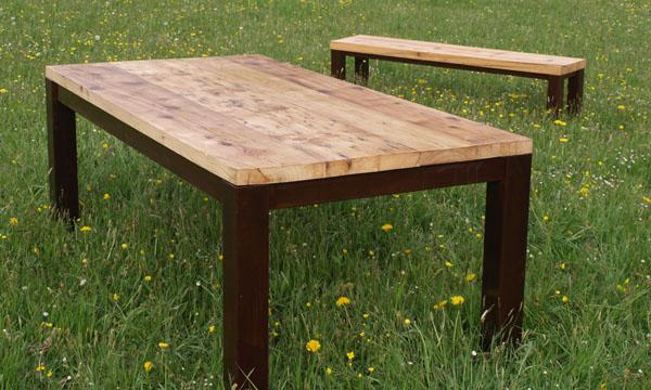 tisch mit betonplatte deco to go tisch mit betonplatte unterbau stahl 4 rollen tisch mit. Black Bedroom Furniture Sets. Home Design Ideas